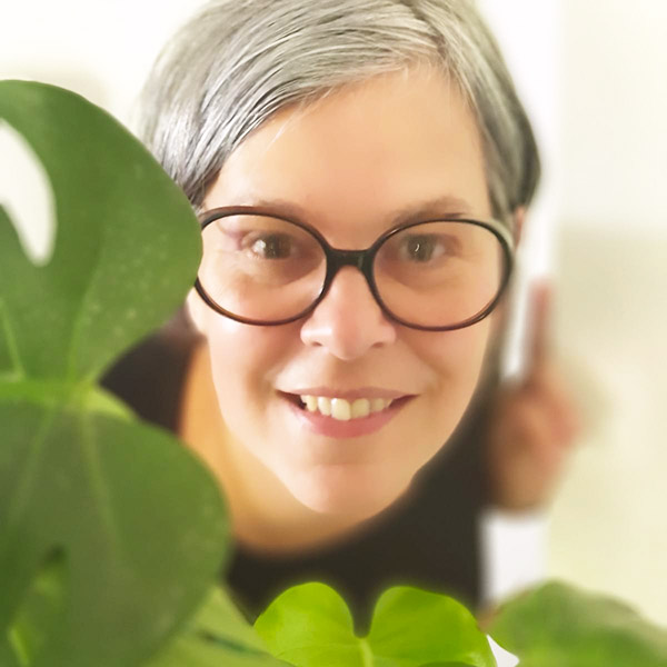 Sabine Harel Portrait